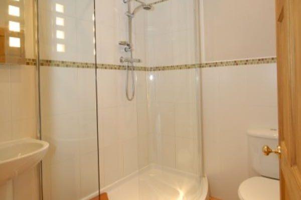 garden-suite-bathroom1-600x400 Home
